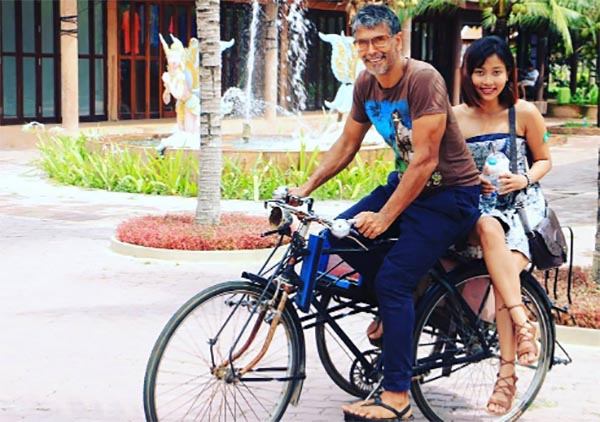 milind soman with ankita