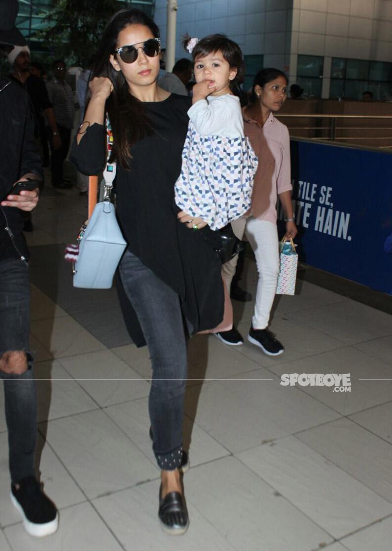 mira rajput and misha kapoor at the airport