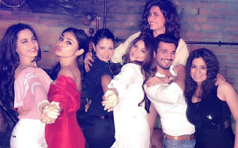 INSIDE PICS: Mouni Roy, Adaa Khan, Ankita Lokhande, Drashti Dhami DANCE With Arjun Bijlani At His BIRTHDAY BASH