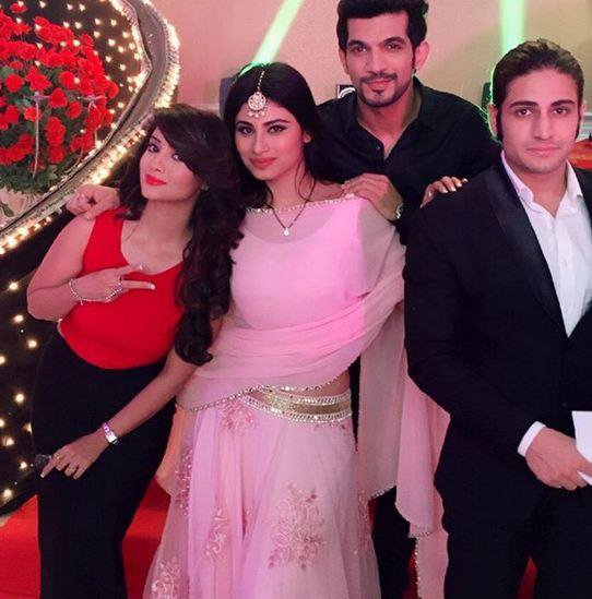 mouni roy adaa khan arjun bijlani and rajat tokas