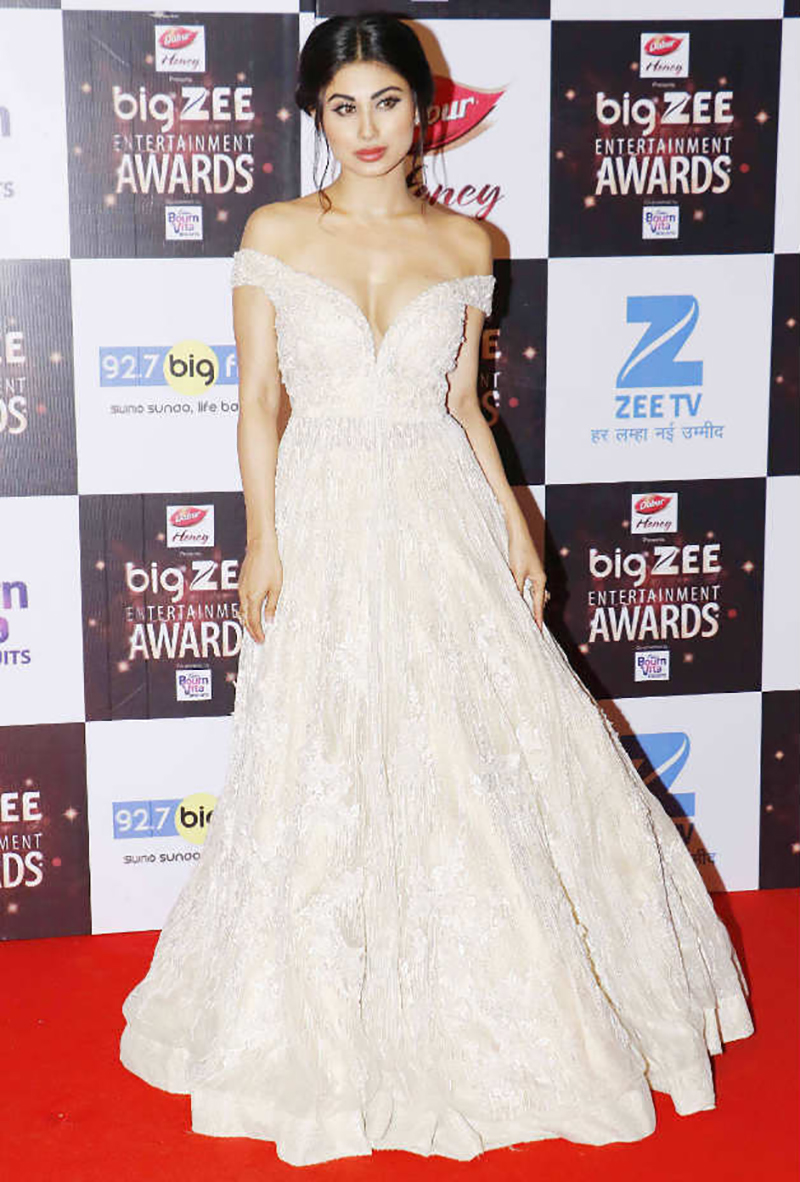 naagin star mouni roy at big zee awards 2017