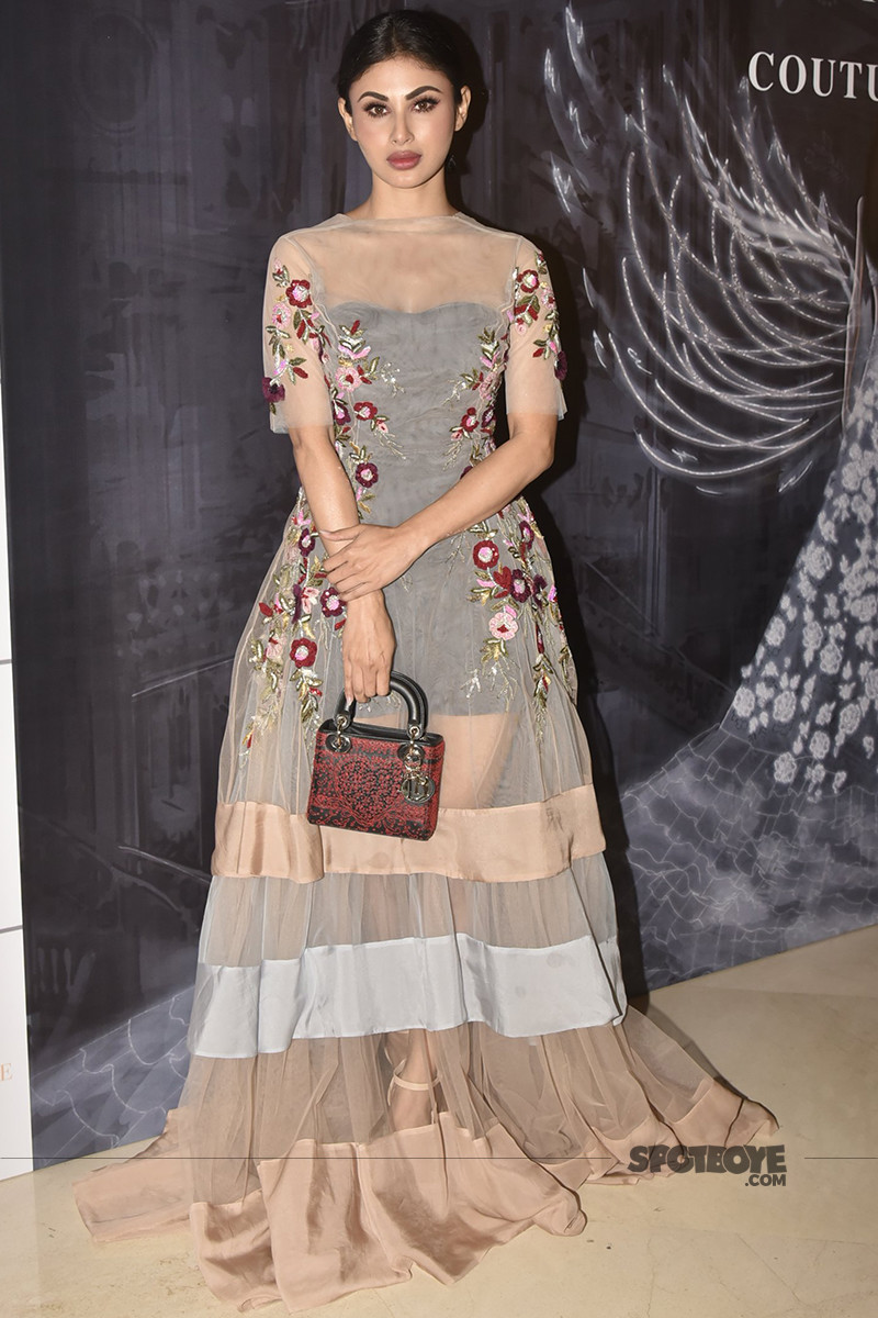 mouni roy at manish malhotra show