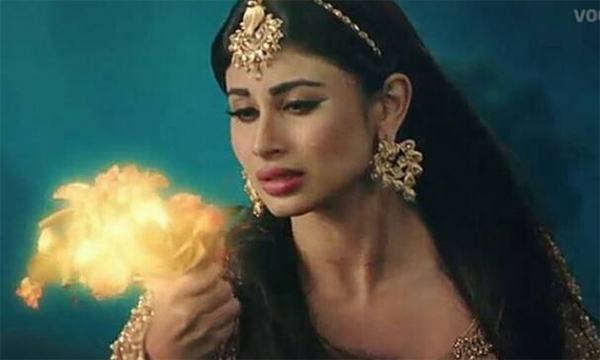 tv-actress-mouni roy in naagin 2
