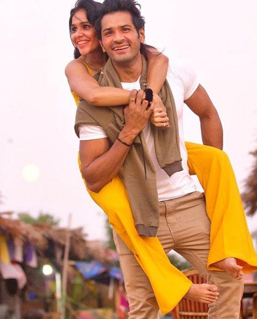 mrunal jain with wife sweetie