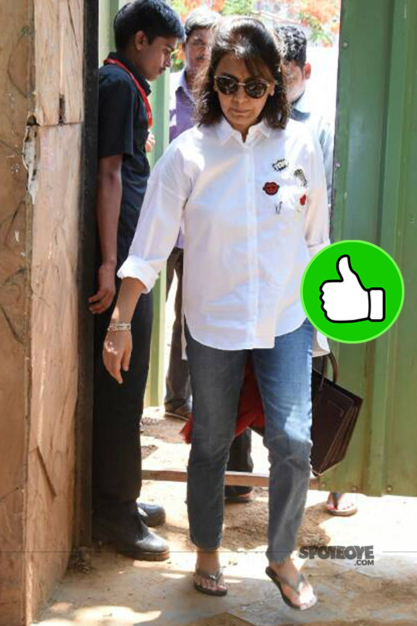 neetu kapoor snapped post the bhoomipooja at krishnaraj