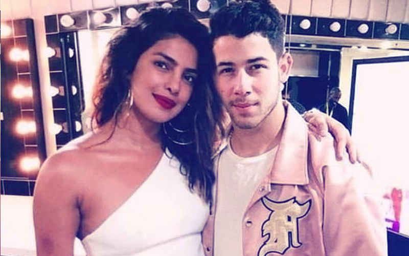 Priyanka Chopra & Nick Jonas' Fake Photo Is Going Viral. Check It Out!