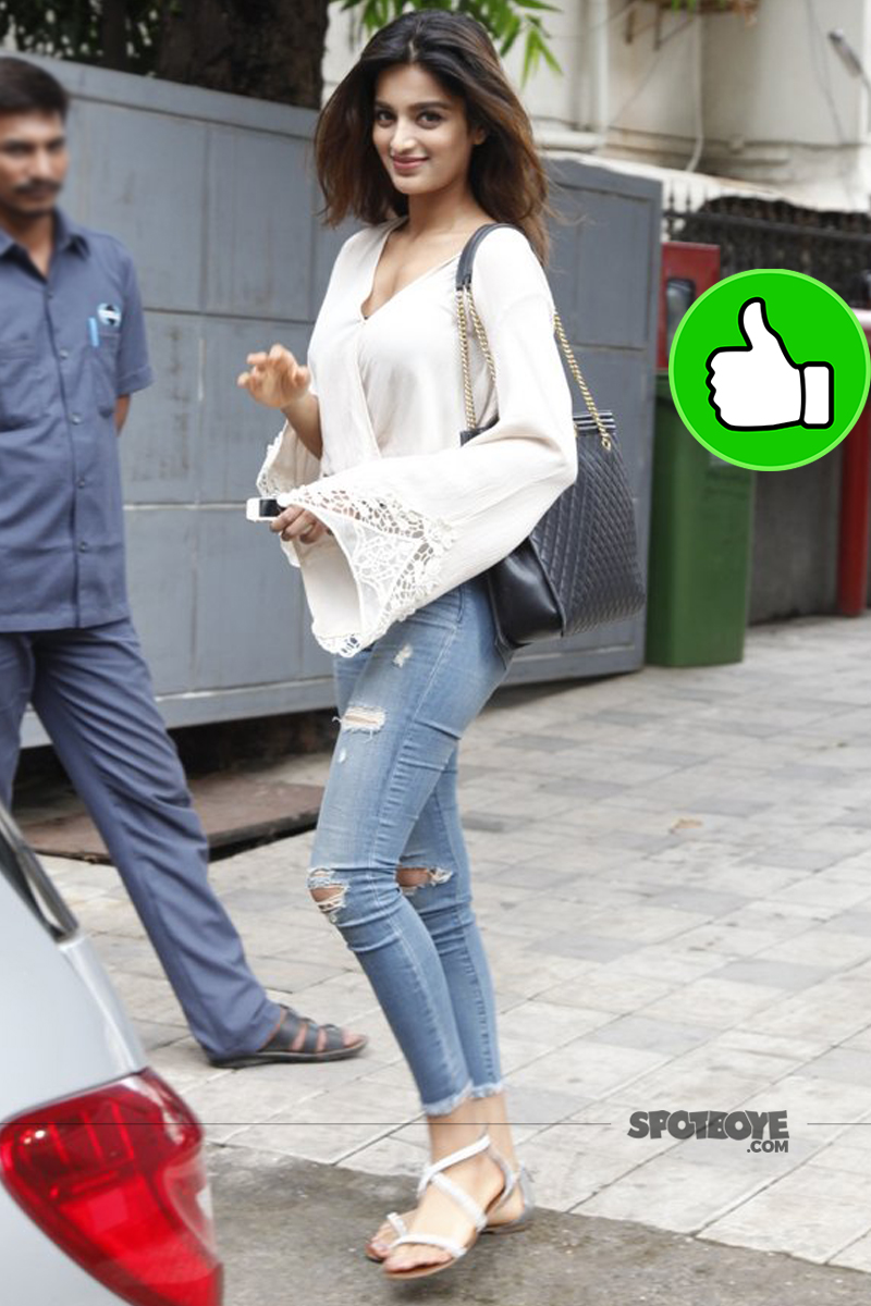 nidhhi agerwal snapped in bandra
