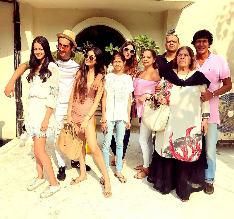 panday family head for lunch