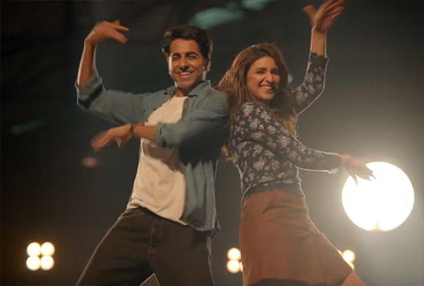 parineeti chopra and ayushmann khurrana dancing in meri pyaari bindu