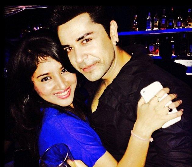 piyush with wife akangsha rawat