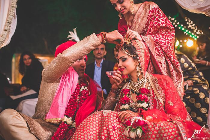 pooja and sandeep candid wedding pics