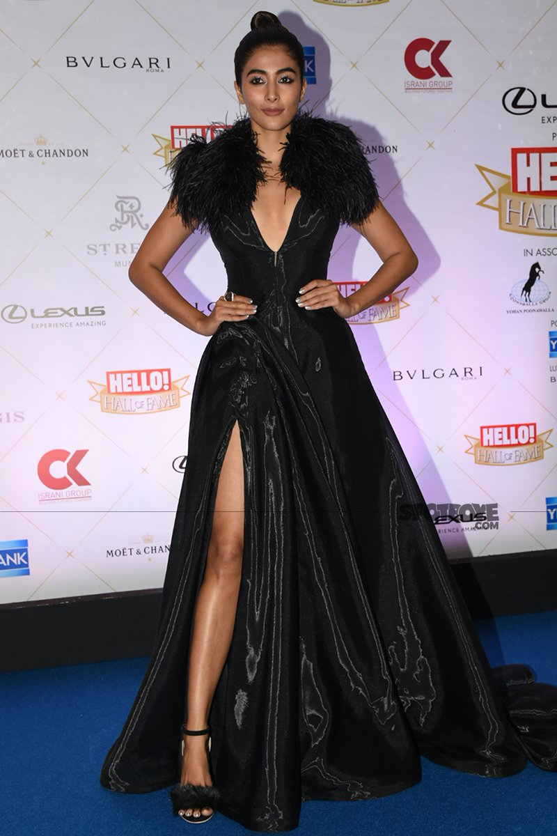 pooja hegde at hello hall of fame awards