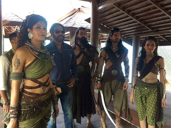 pics from the sets of porus