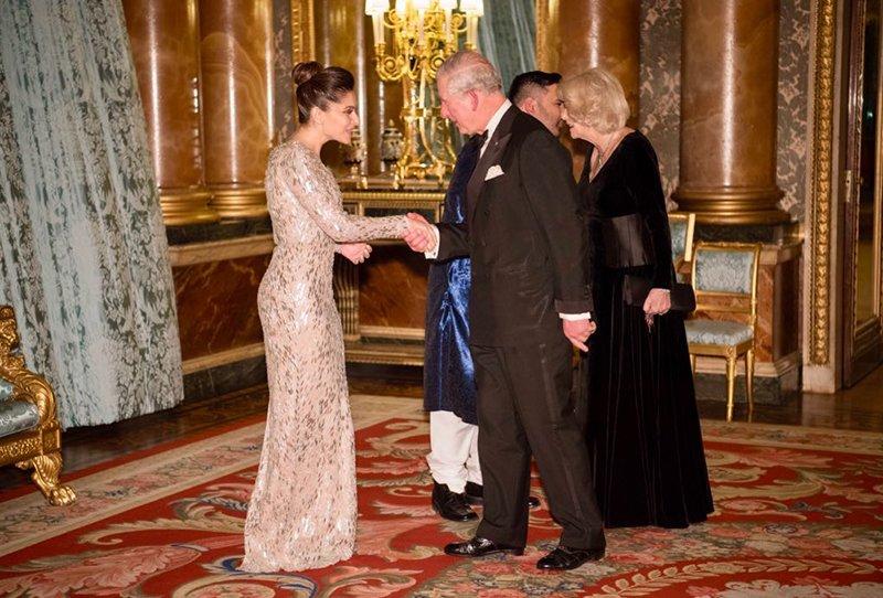 Kanika Kapoor Meets Prince Chrarles