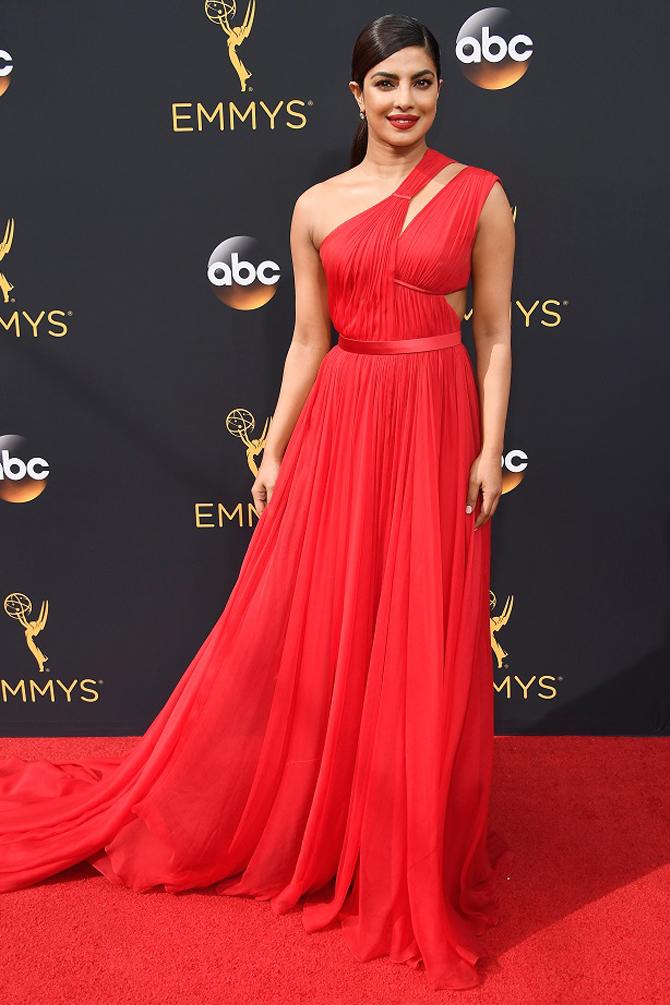 priyanka chopra emmys 2017 red dress
