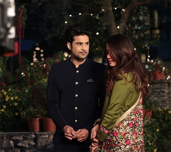 rajeev khandelwal and surveen chawla on sets of haq se