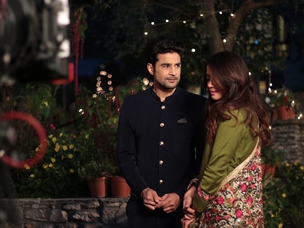 rajeev khandelwal and surveen chawla on sets of haq se