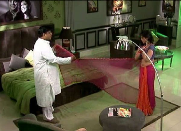 ram kapoor and sakshi tanwar in a still from the show bade acche lagte hai