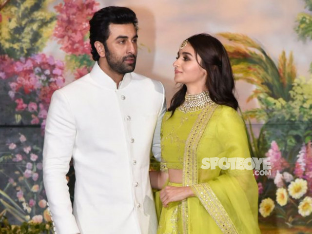 ranbir kapoor and alia bhatt at sonam kapoor wedding
