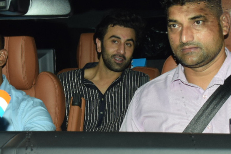 ranbir kapoor arrives with aalia bhatt for the screening
