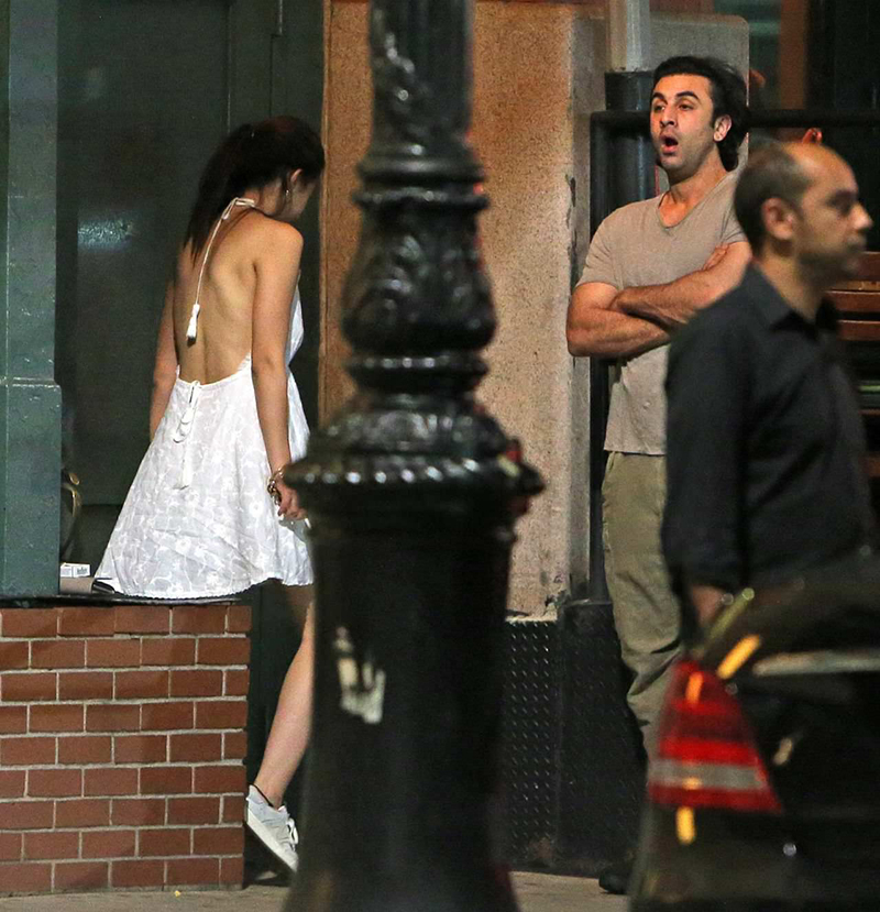 Ranbir Kapoor Finally Reacts To His Viral Pictures With Mahira Khan In New York!