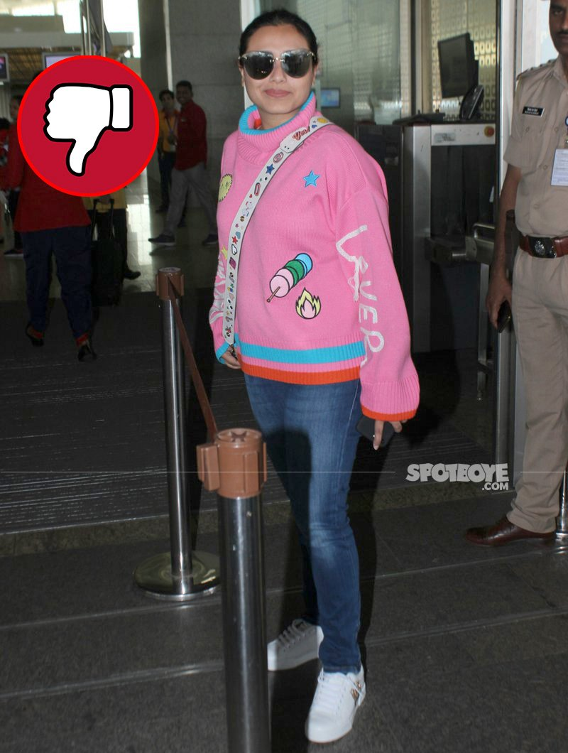 rani mukerji spottted at the airport