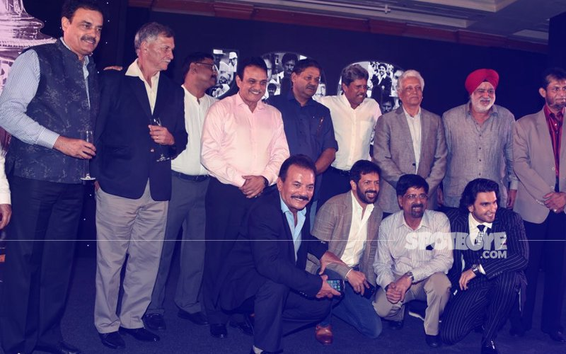 Ranveer Singh Poses With India's 1983 World Cup Team