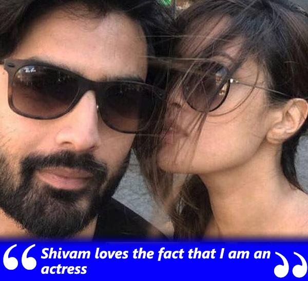 riya sen and husband shivam tiwari