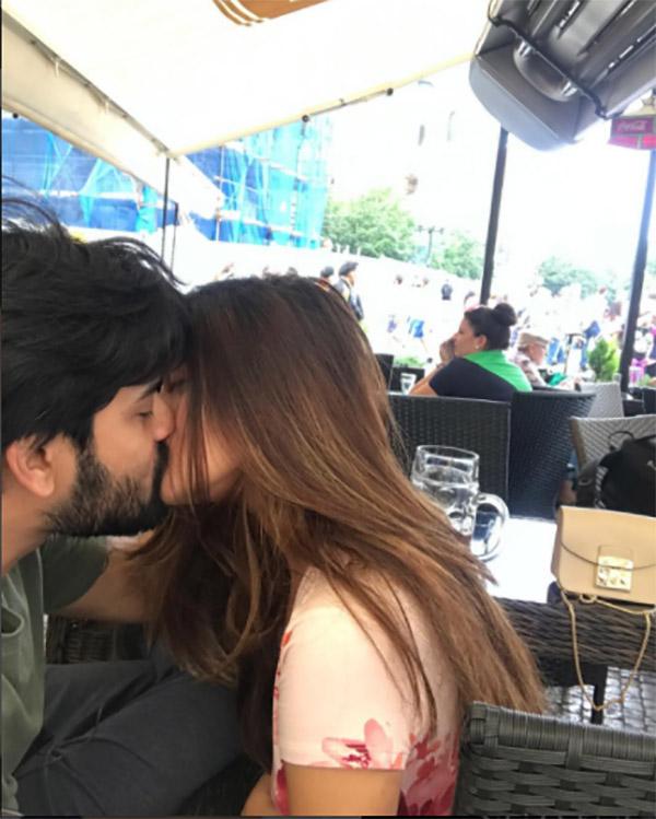 riya sen and shivam tewari kiss in public