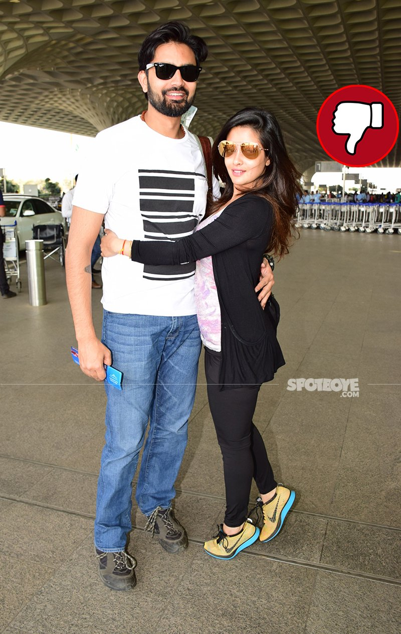 riya sen with shivam tewari snapped at the airport