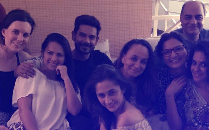 Rochelle Rao Parties With Keith Sequeira, Soni Razdan & Sanjeeda Sheikh