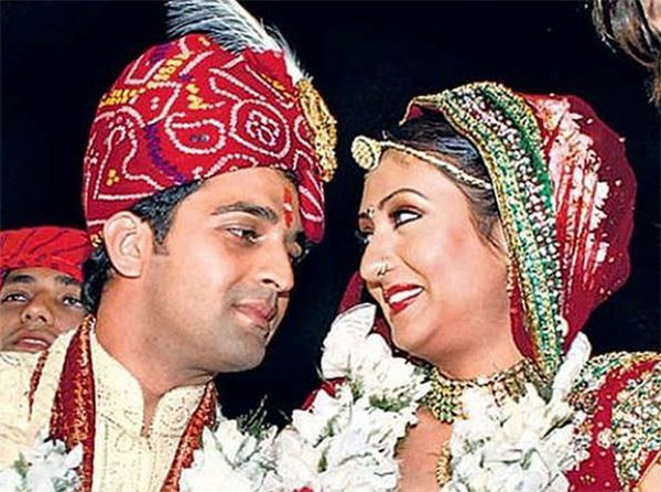 marriage picture of juhi and sachin