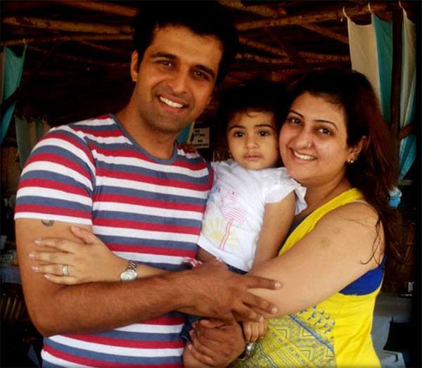 sachin shroff with juhi parmar and daughter samira