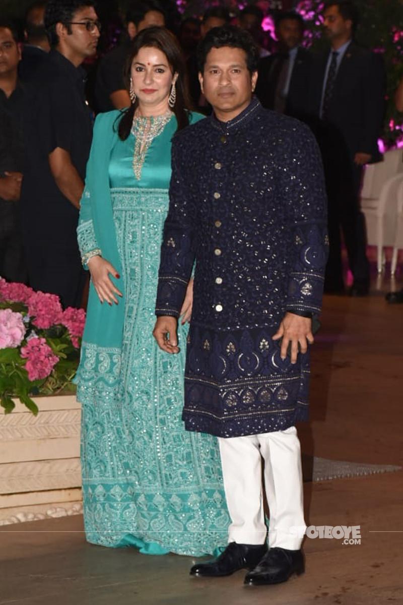 sachin tendulkar with wife anjali tendulkar
