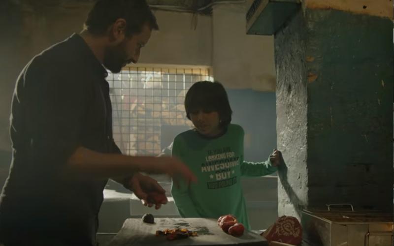 saif ali khan with svar kamble in chef