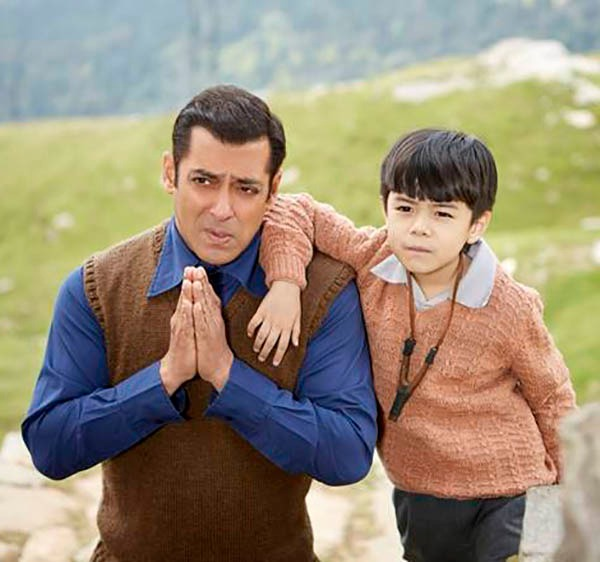 salman khan and matin ray tangu in a still from tubelight