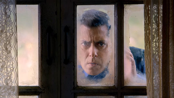 salman khan still from movie tubelight
