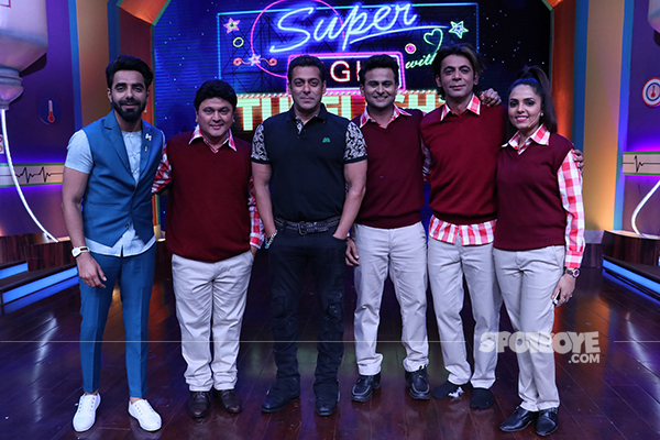 salman khan on the sets of super night with tubelight
