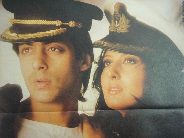 sangeeta bijlani and salman khan posing
