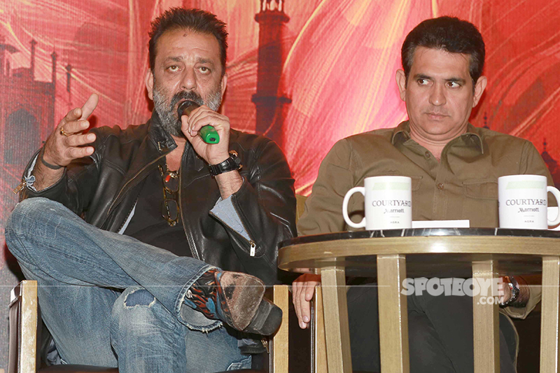 sanjay dutt and omung kumar while promoting bhoomi
