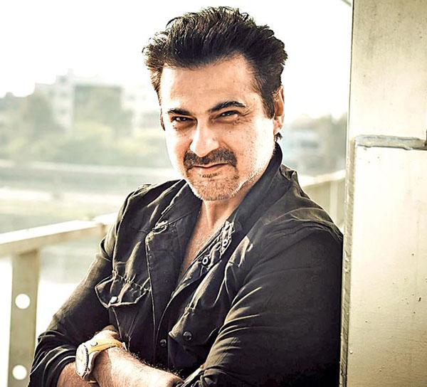 sanjay kapoor will play arjun kapoor father in mubarakan