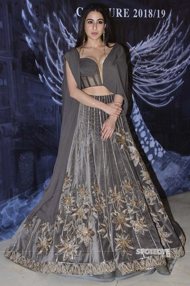 sara ali khan at manish malhotra show