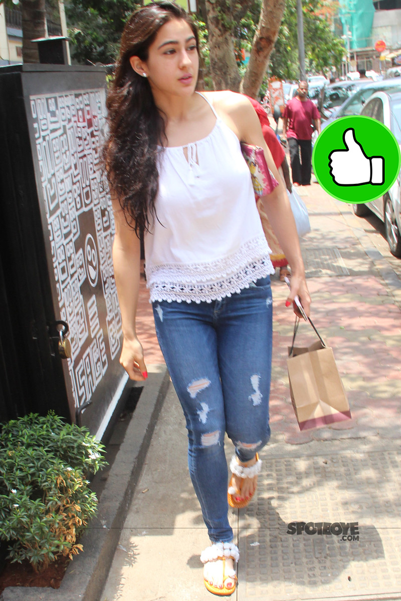 sara ali khan snapped post lunch