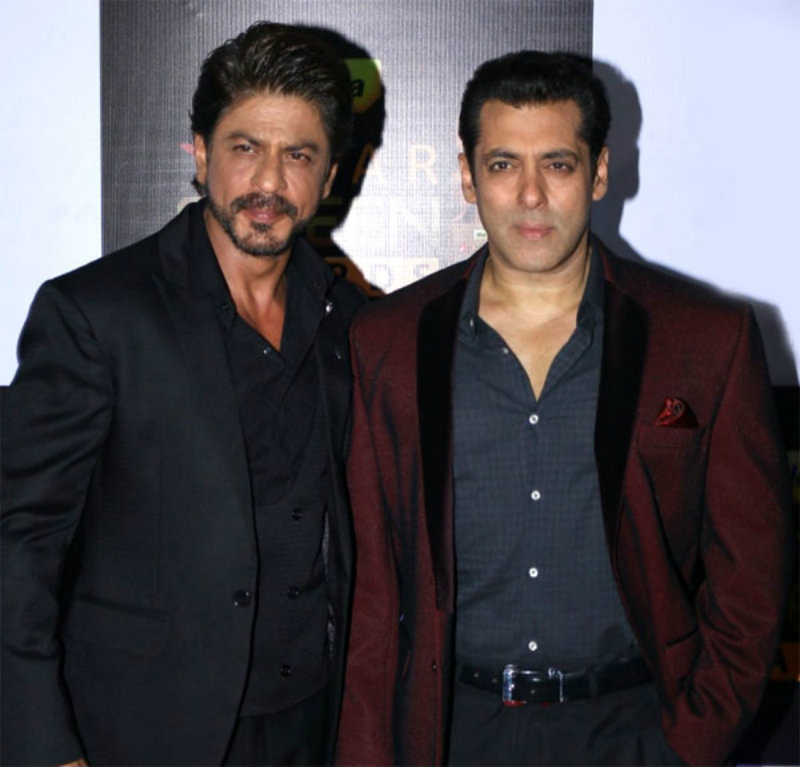 shah rukh khan and salman khan pose for a picture