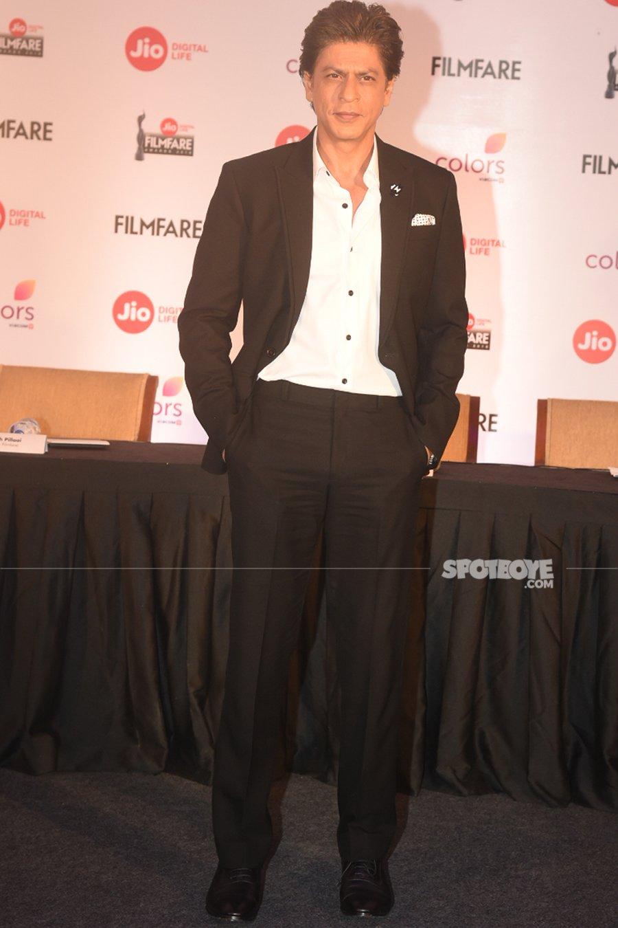 shah rukh khan at filmfare awards date announcement media meet