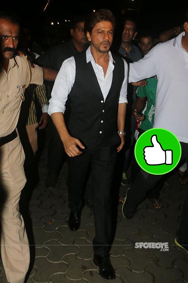 shah rukh khan snapped at tubelight screening