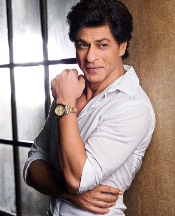 shah rukh khan posing for a photoshoot