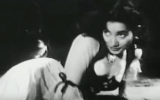 shakila in the song babuji dheere chalna