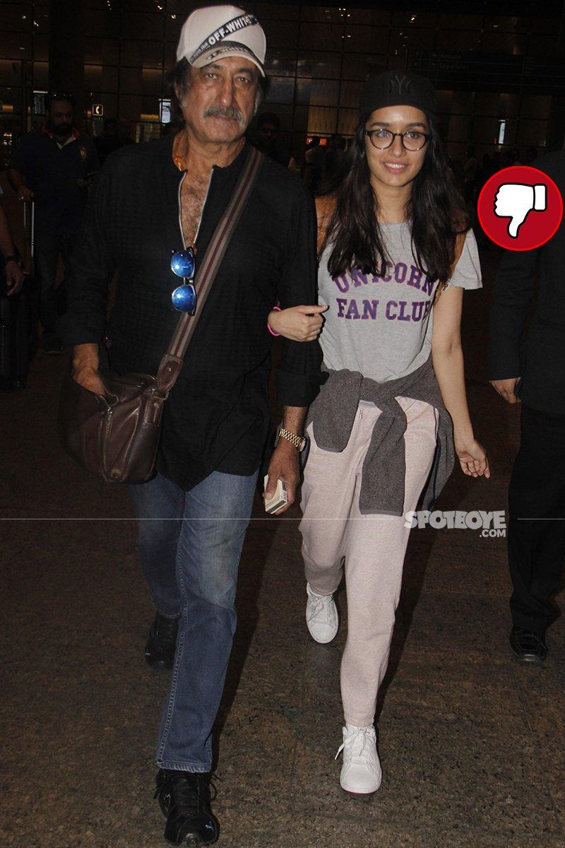 shakti kapoor with daughter sharaddha kapoor at the airport