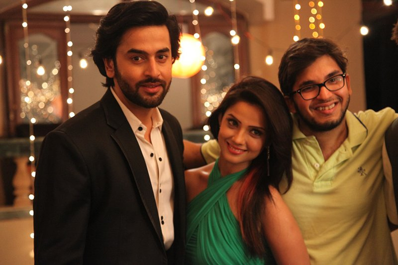 shashank vyas and adaa khan pose for a picture